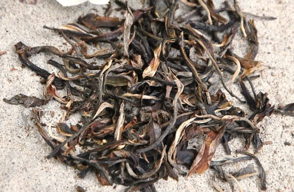 Da Hong Pao Oolong - dry tea leaves