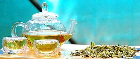 Anji Bai Cha Green Tea / Anji White Tea served in my garden