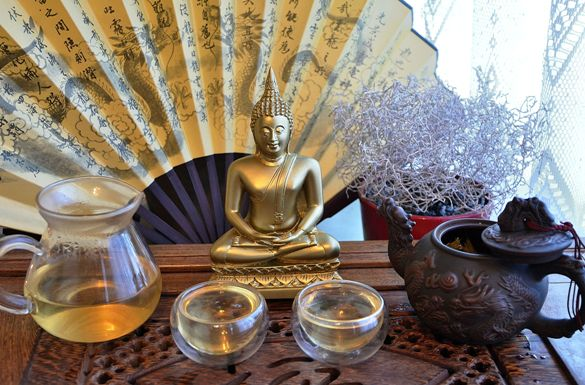 Imperial Fuding White Silver Needle Tea with the Buddha