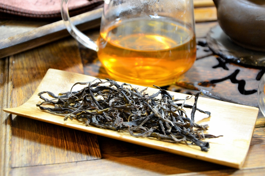 Unripened (sheng) Pu Erh Tea from Xiengkhouang, Laos